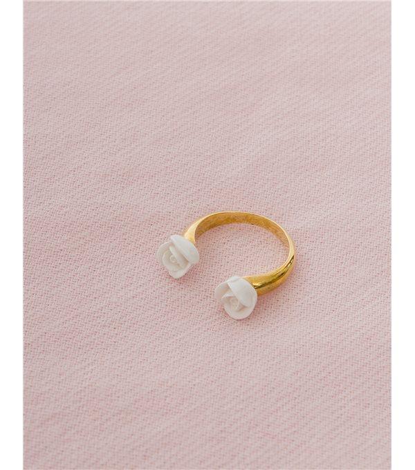 Anillo rosas blancas