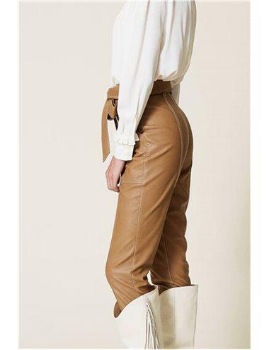 Pantaló ecopiel costuras